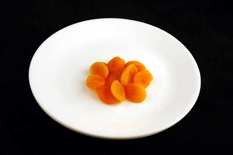 """<div class=""""caption-credit""""> Photo by: Wisegeek.com</div>Even healthy choices, like dried apricots, aren't necessarily low in calories. <br>"""