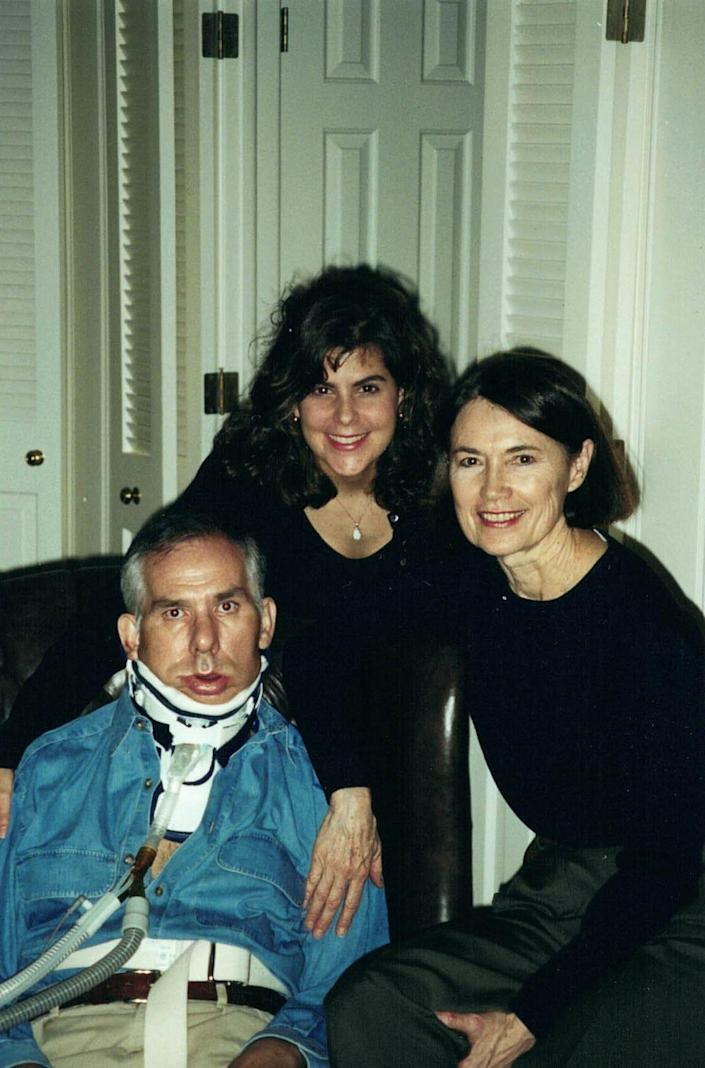 Gerry Gunnin, his niece Stacy Lindborg and wife Barbara Gunnin before Gerry's death from ALS in 2003. Lindborg is now executive vice president and head of global clinical research for Brainstorm Cell Therapeutics.