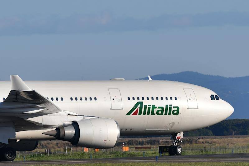 An Airbus A320 bearing the livery of Alitalia airline taxies on the tarmac prior taking off from Rome's Fiumicino airport on May 31, 2019. (Photo by Alberto PIZZOLI / AFP) (Photo credit should read ALBERTO PIZZOLI/AFP via Getty Images)