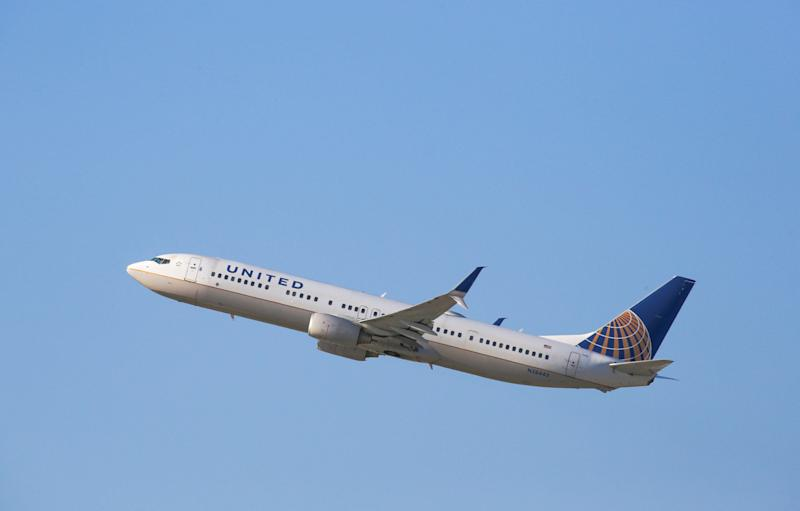 A Woman Says United Kept Serving a Drunk Man Alcohol After He Groped Her