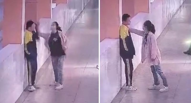 The boy's mother attacked her son in the corridor after she was called into the school when he was caught playing cards in the classroom. Source: Weibo