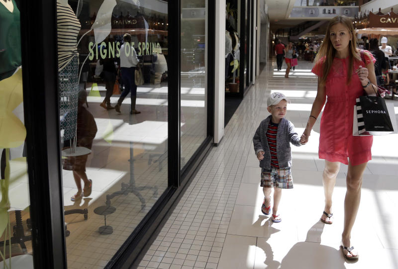 US retail sales rise a scant 0.1 percent in April