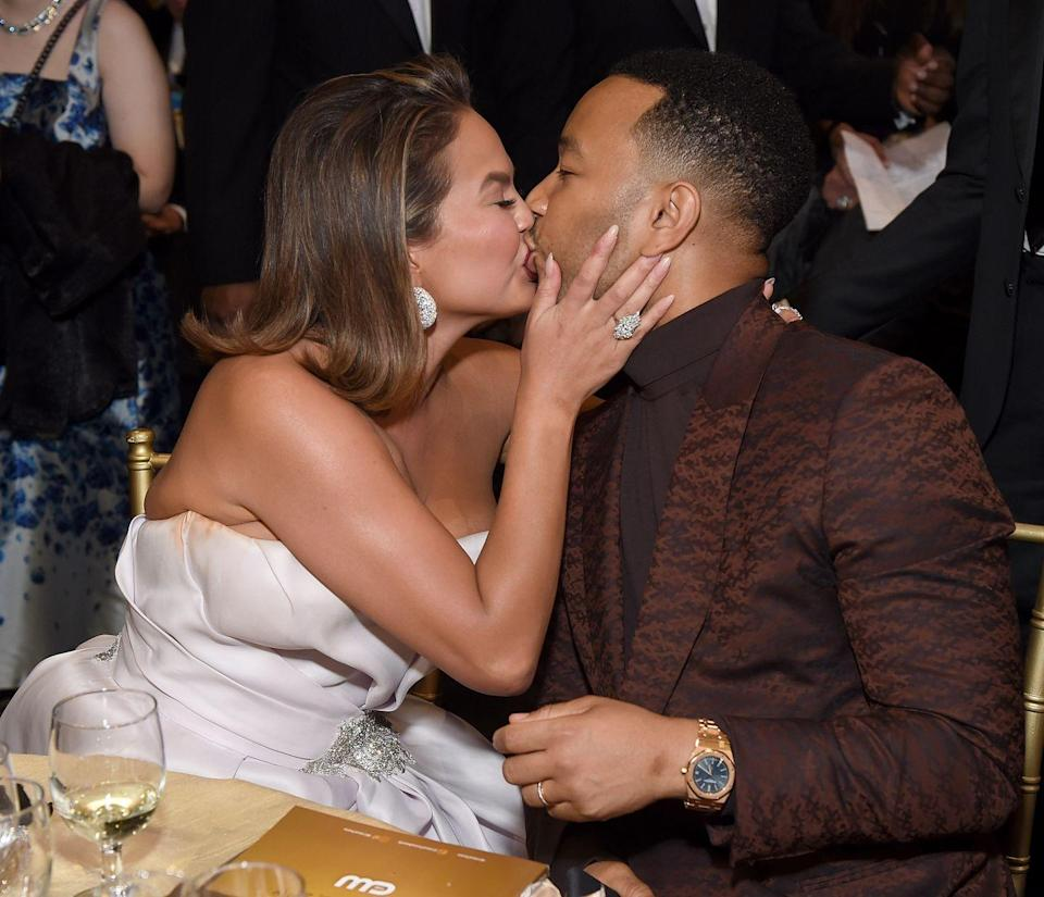 <p>The couple kiss at the Critics Choice Awards in LA.</p>