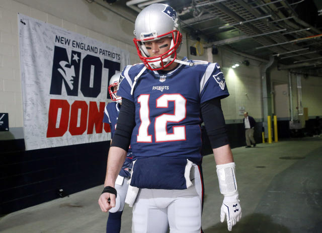 "New England Patriots quarterback <a class=""link rapid-noclick-resp"" href=""/nfl/players/5228/"" data-ylk=""slk:Tom Brady"">Tom Brady</a> walks toward the field to warm up before the AFC championship against the <a class=""link rapid-noclick-resp"" href=""/nfl/teams/jac/"" data-ylk=""slk:Jacksonville Jaguars"">Jacksonville Jaguars</a>, Sunday. (AP)"