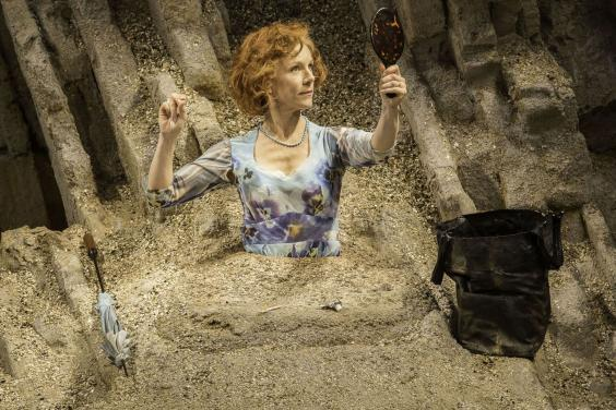 Juliet Stevenson in 'Happy Days' at the Young Vic, 2014 (Johan Persson)