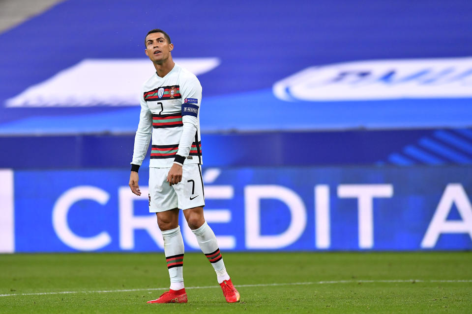 Cristiano Ronaldo's positive COVID-19 test should be a warning sign to soccer. Will the sport actually take it that way? (Photo by Aurelien Meunier/Getty Images)
