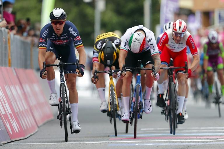 Belgium's Tim Merlier (L) sprinted to victory in the Giro d'Italia second stage.