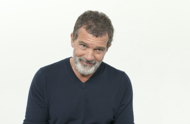 Antonio Banderas chatting with Yahoo Entertainment about his work as Pablo Picasso on <i>Genius: Picasso</i>. (Photo: Yahoo Entertainment)