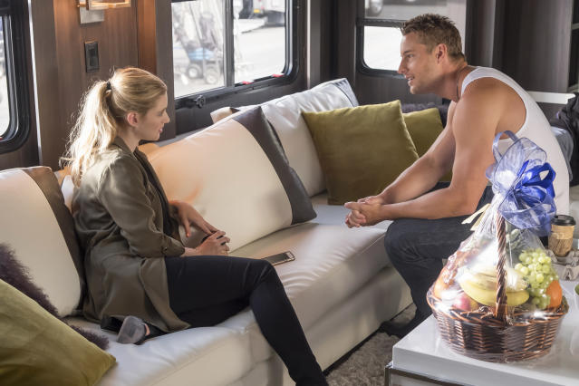 <p>Alexandra Breckinridge as Sophie and Justin Hartley as Kevin in NBC's <i>This Is Us</i>. <br><br>(Photo: Ron Batzdorff/NBC) </p>
