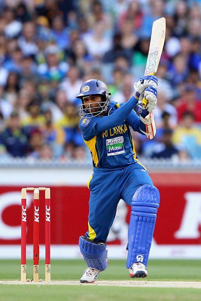 MELBOURNE, AUSTRALIA - JANUARY 28:  Tillakaratne Dilshan of Sri Lanka plays a shot during game two of the Twenty20 International series between Australia and Sri Lanka at Melbourne Cricket Ground on January 28, 2013 in Melbourne, Australia.  (Photo by Robert Prezioso/Getty Images)