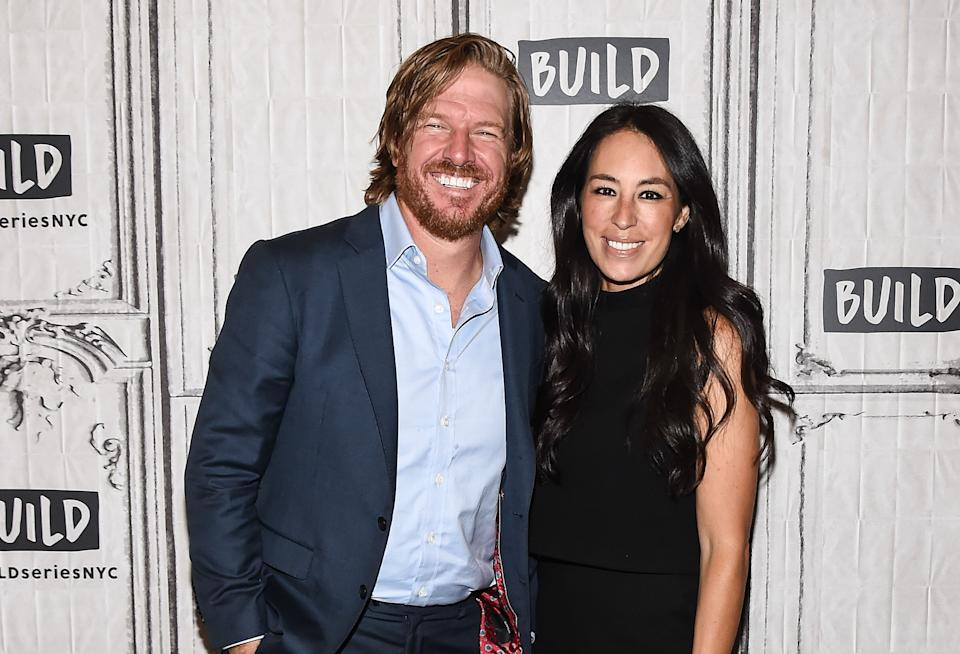 Chip and Joanna Gaines have a discussion with Oprah about fame. (Photo: Getty Images)