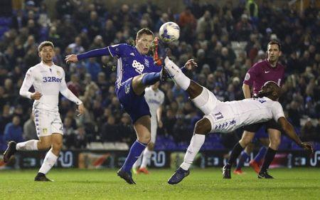 Britain Football Soccer - Birmingham City v Leeds United - Sky Bet Championship - St Andrews - 3/3/17 Birmingham City's Craig Gardner in action with Leeds' Souleymane Doukara  Mandatory Credit: Action Images / John Sibley Livepic