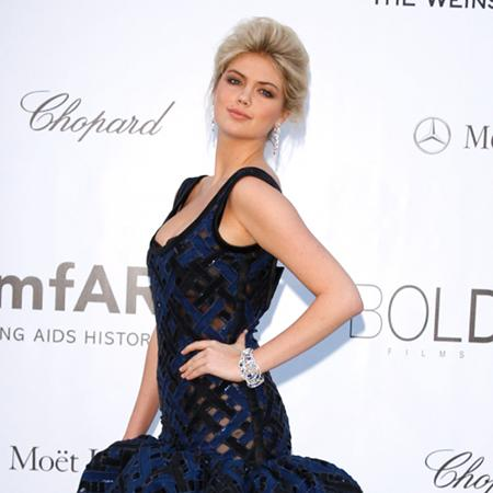 Kate Upton considers Pattinson romance