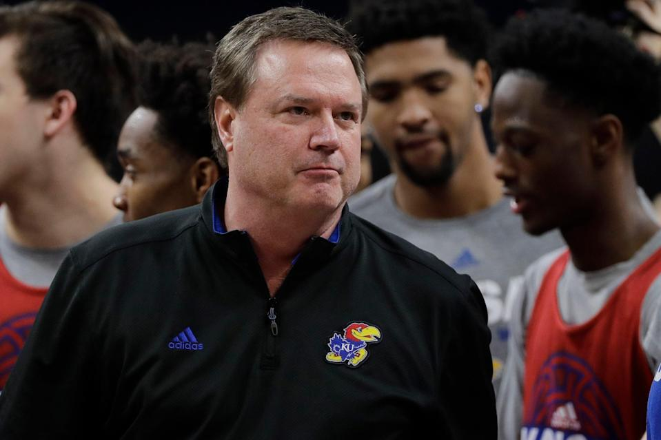 Kansas head coach Bill Self talks huddles with his players during a practice session for the Final Four NCAA college basketball tournament, Friday, March 30, 2018, in San Antonio. (AP)