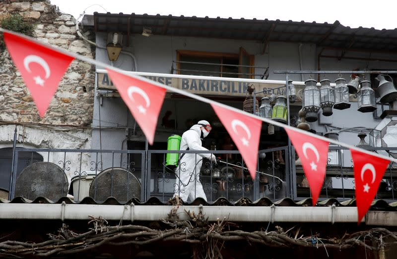 Turkey's coronavirus death toll reaches 908 with 42,282 total cases: minister