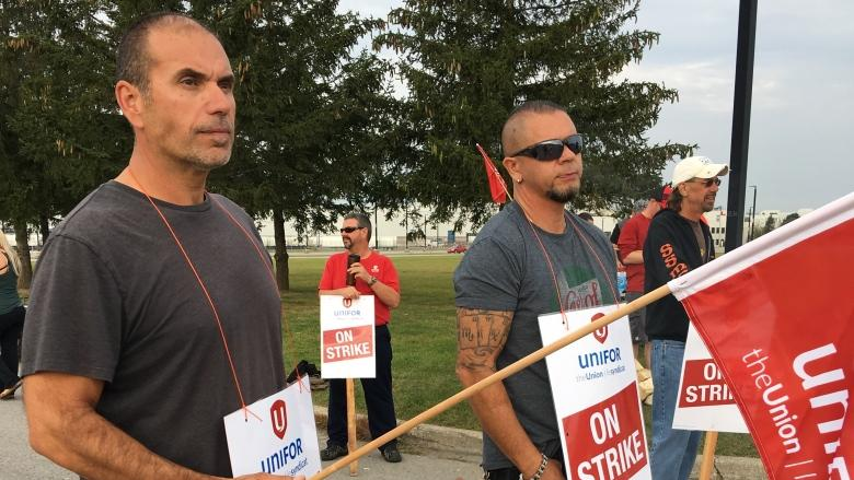 Union tables offer to GM in a bid to end CAMI strike