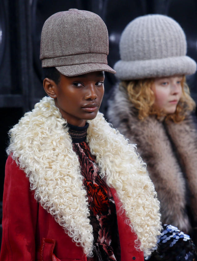 Marc Jacobs models wore natural hair textures and sported oversized beanies and newsboy caps. (Photo: AP Images)