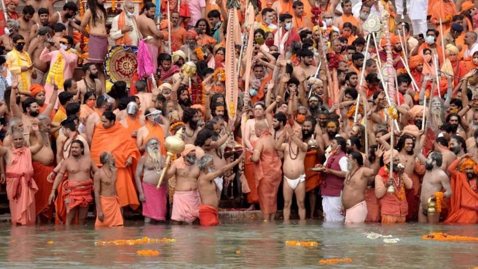 Kumbh Mela to continue, say officials; over 1,000 test COVID-positive
