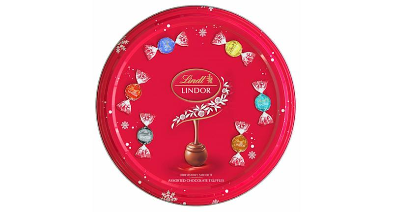 The Lindor Assorted Tin will come with 32 individually wrapped Lindor truffles in six delicious flavours. (Lindt)