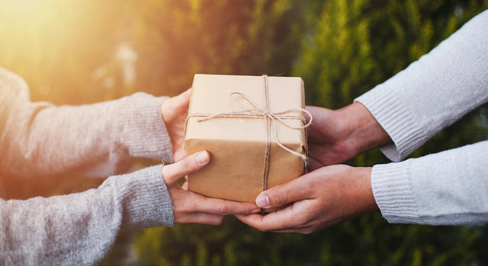 Whether it's Christmas, a birthday or just to let someone know you're thinking of them, Amazon has a selection of gifts under £10. (Getty Images)