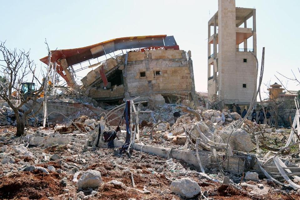Rubble of a hospital supported by Doctors Without Borders (MSF) near Maaret al-Numan, in Syria's Idlib province, on February 15, 2016 (AFP Photo/)
