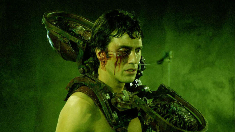 "Michael Marks (Noam Jenkin) wears the ""Venus Fly Trap"" in 'Saw II'. (Credit: Lionsgate)"