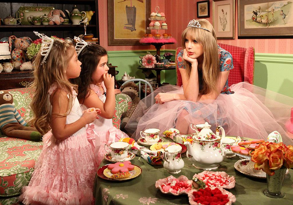 "<p class=""MsoNormal"">They might not be as famous as Taylor Swift <em style="""">yet</em>, but Youtube singing sensations Anna Grace and Rosie snagged the big pop star for their first ""Tea Time"" segment, which aired on Wednesday's episode of ""The Ellen DeGeneres Show."" We don't know who makes a cuter princess! </p>"