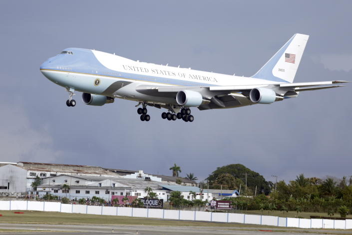 Congress Pushes Back Against Trump S Air Force One Redesign