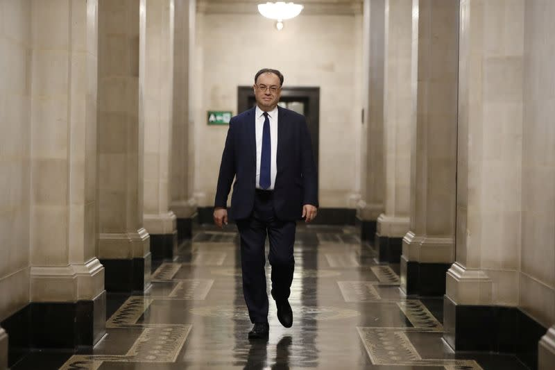 BoE Governor warns lenders of challenges of negative interest rates - Sunday Times