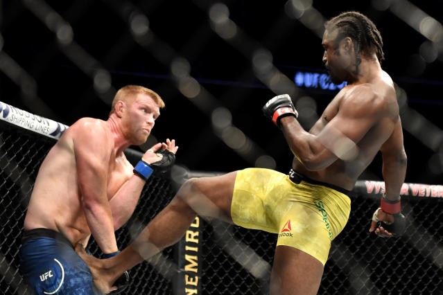 'Smilin' Sam Alvey, left, lived up to his monicker at UFC 249, (Douglas P. DeFelice/Getty Images)