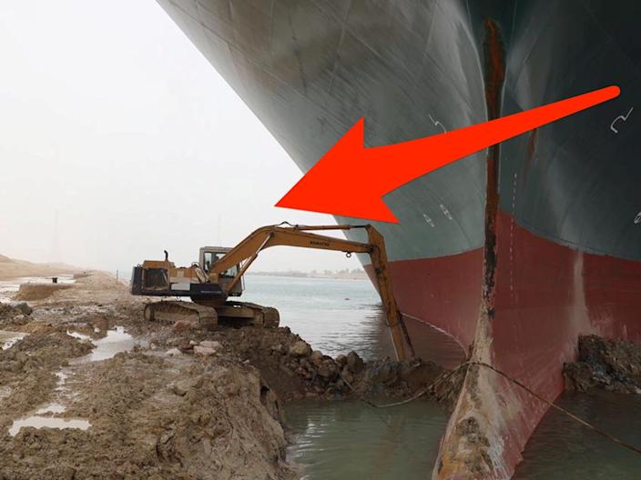 digger skitch excavator suez canal ever given