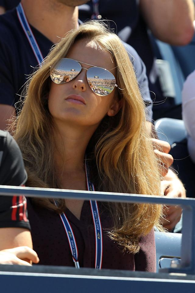 NEW YORK, NY - SEPTEMBER 09: Kim Sears watches as her boyfriend Andy Murray of Great Britain plays against John Isner of the United States during Day Twelve of the 2011 US Open at the USTA Billie Jean King National Tennis Center on September 9, 2011 in the Flushing neighborhood of the Queens borough of New York City. (Photo by Matthew Stockman/Getty Images)