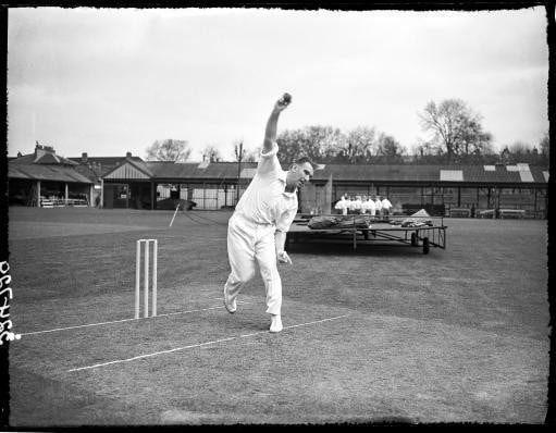Bowling in practice in 1958 - S&G