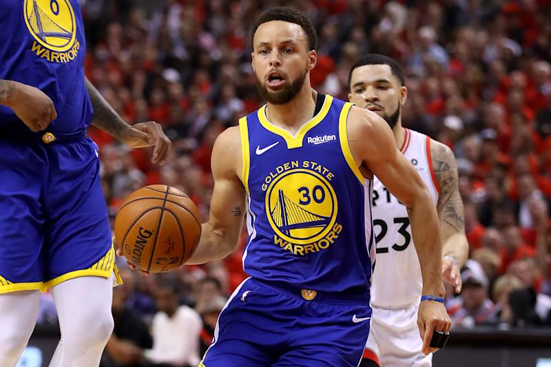 Stephen Curry led the Warriors with 31 points in Monday's Game 5 win. (Getty)