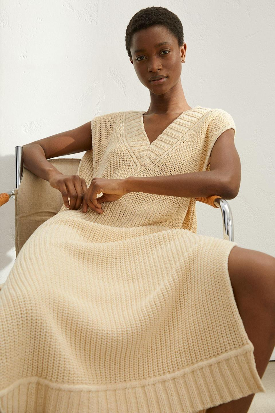 <p>This <span>H&amp;M Rib-Knit Dress</span> ($50) is so effortlessly cool; get one for your friend, too.</p>