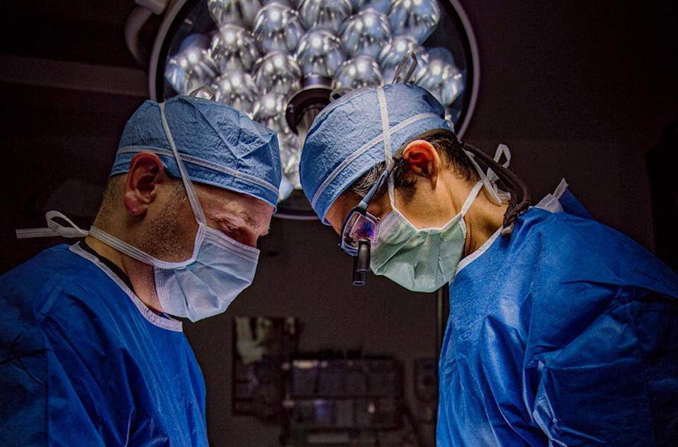 Dr. Ronjon Paul performs minimally invasive spine surgery