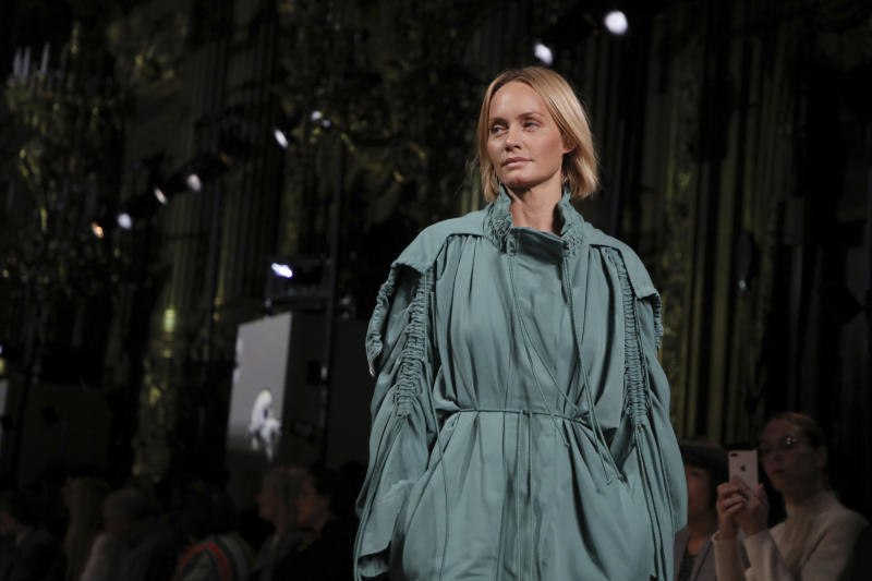 Model Amber Valletta wears a creation as part of the Stella McCartney Ready To Wear Spring-Summer 2020 collection, unveiled during the fashion week, in Paris, Monday, Sept. 30, 2019. (Photo by Vianney Le Caer/Invision/AP)