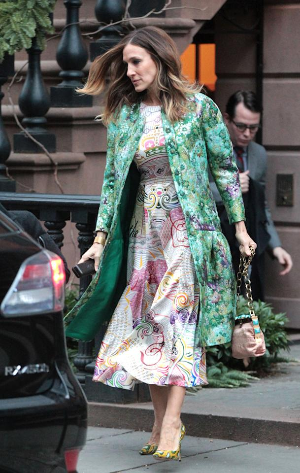 Sarah Jessica Parker leaves her house with son James and husband Matthew Broderick. Pictured: Sarah Jessica Parker Ref: SPL484766  210113  Picture by: Splash News   Splash News and Pictures Los Angeles:310-821-2666 New York:212-619-2666 London:870-934-2666 photodesk@splashnews.com