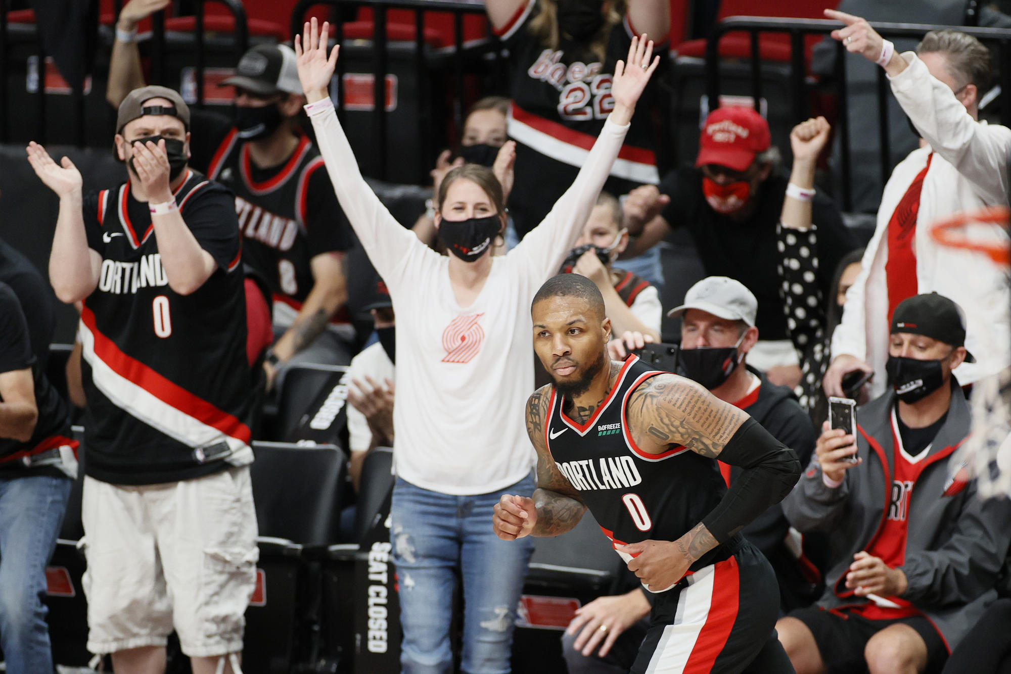 NBA playoff tracker: Portland rolls over Nuggets in 20-point win to even series 2-2 – Yahoo Sports