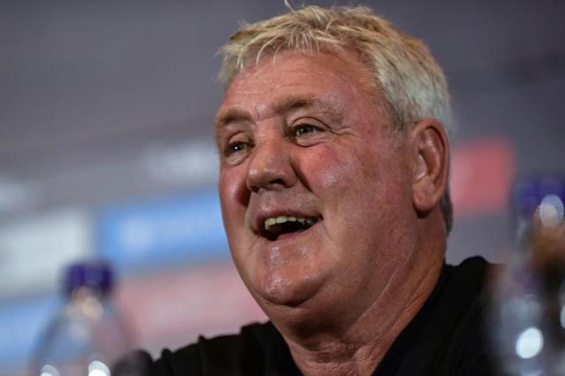 At his first press conference, Newcastle United's new coach Steve Bruce made a staunch defence of his managerial record (AFP Photo/HECTOR RETAMAL)