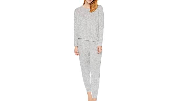 Iris & Lilly Women's Super Soft Loungewear Sweater and Jogger