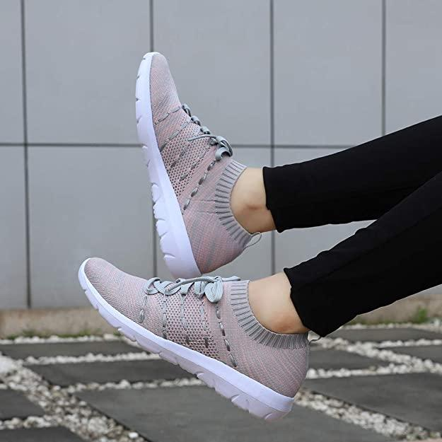 These EvinTer women's running shoes have over 1,500 reviews on Amazon. (Photo via Amazon)
