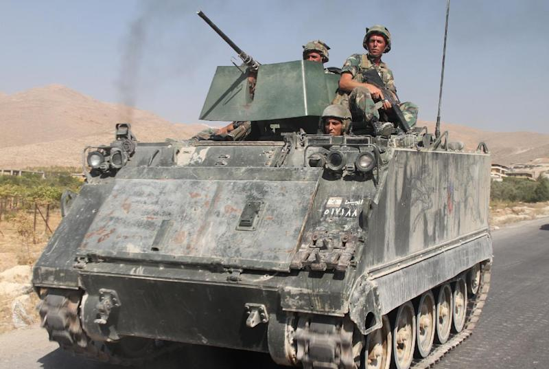 Lebanese troops deploy in the eastern town of Arsal near the Syrian border on August 28, 2014 (AFP Photo/)