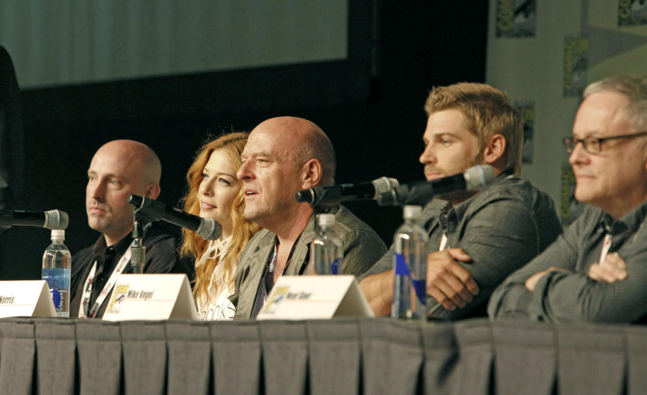 "Brian K. Vaughan, Rachelle Lefevre, Dean Norris, Mike Vogel and Neal Baer during the ""Under the Dome"" panel at Comic-Con 2013, held in San Diego, Ca."
