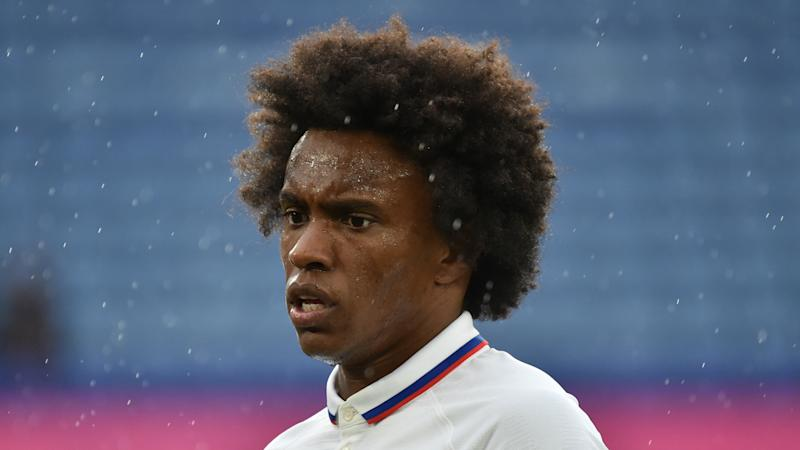 Willian completes Arsenal move on three-year deal