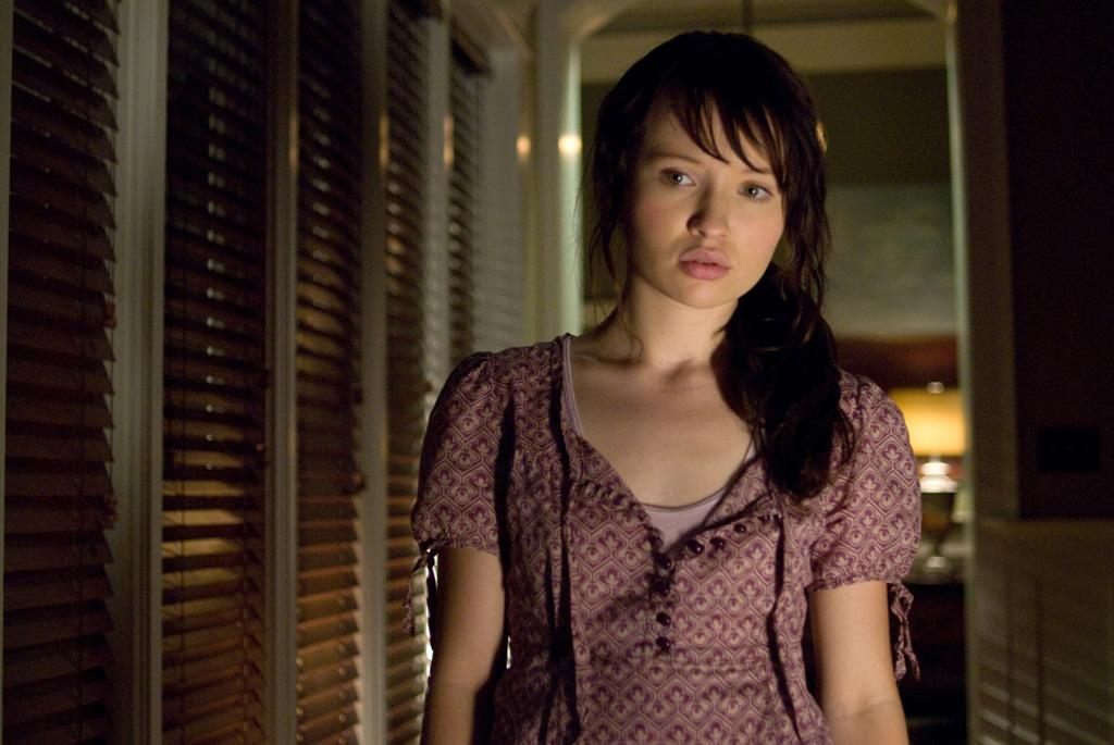 """<a href=""""http://movies.yahoo.com/movie/contributor/1808438209"""">Emily Browning</a> in DreamWorks Pictures' <a href=""""http://movies.yahoo.com/movie/1809922891/info"""">The Uninvited</a> - 2009"""