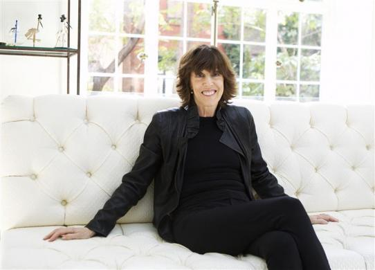 "Nora Ephron poses for a portrait in her home in New York November 3, 2010. As you age, live life to the fullest -- travel to exotic places, eat good food, walk in the park, read lots of books and under no circumstances eat egg-white omelettes. That's the nub of Nora Ephron's new book, ""I Remember Nothing,"" an acerbic, humorous set of essays that works as a sequel to her 2006 best-seller, ""I Feel Bad About My Neck."" Picture taken November 3, 2010. REUTERS/Lucas Jackson (UNITED STATES - Tags: ENTERTAINMENT)"
