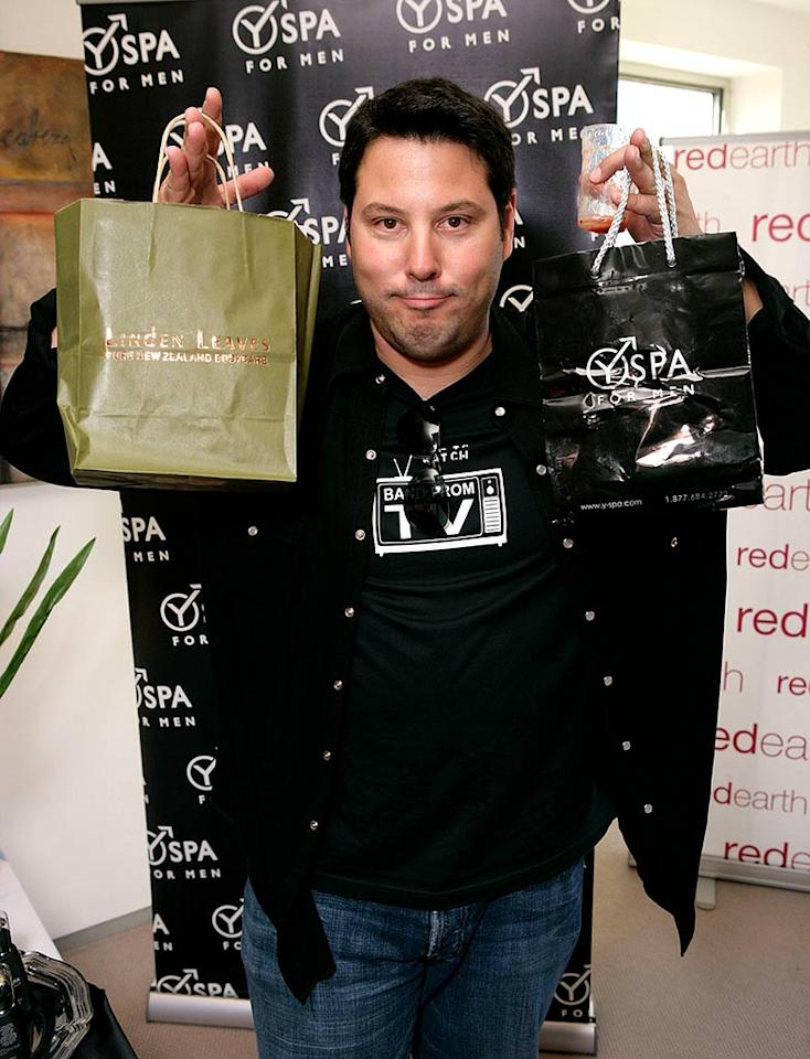 "Looks like ""Heroes"" star Greg Grunberg drank something funky and is trying not to swallow. Todd Williamson/<a href=""http://www.wireimage.com"" target=""new"">WireImage.com</a> - September 13, 2007"