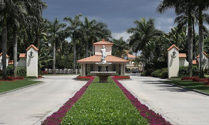 The front entrance to the Trump National Doral.