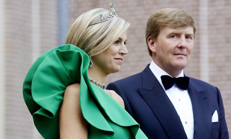 Dutch King Willem-Alexander and Queen Maxima pose for a photograph at the Loo Palace in Apeldoorn, the Netherlands, on June 3, 2014